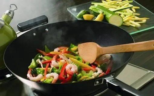 炒前必须焯水的三种蔬菜,再懒也别省这一步!你别还不知道!