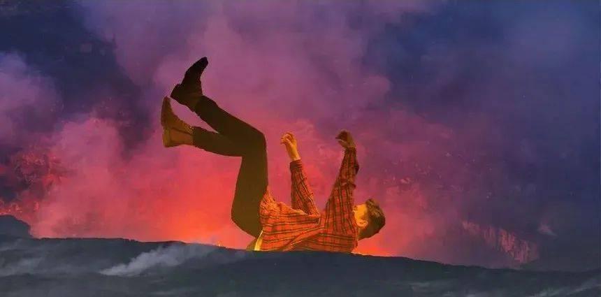 人掉入火山会怎样?竟然有人掉入火山后活着出来了!  第4张
