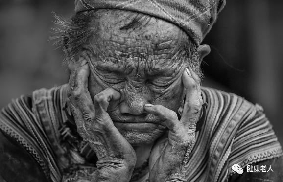 斗地主牛牛:老人吃完饭就犯困,或是这些大病在作怪!还不知道就晚了!