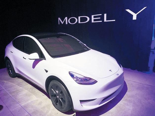 2021年高端新能源汽车的竞争从降价开始