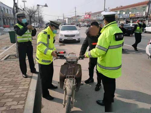 """无证酒后开无牌摩托!还不戴头盔,阳谷这这位马路""""杀手""""被查获"""