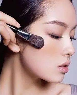 化妆步骤初学者,教你简单的化妆技巧!