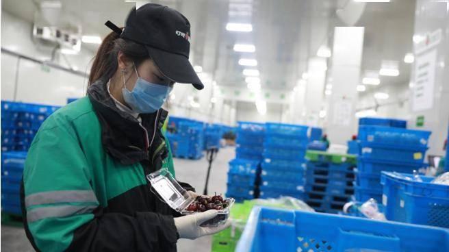 """叮咚买菜超500人品控团队:""""铁面无私""""严守生鲜食品安全生命线"""