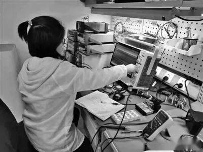 """配备""""智能大脑""""的水表,中国第一个专用非磁性传感器芯片将在宁波批量生产"""