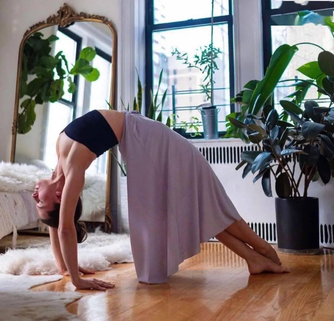 练瑜伽,胸腔打不开?试试这4种辅具,开胸效果特别好!