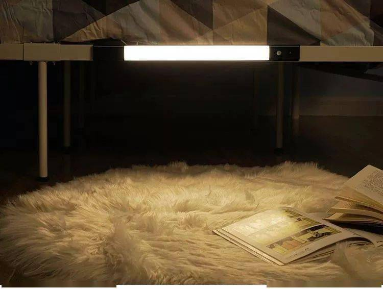 聚星平台装上这个灯,门一开就亮!