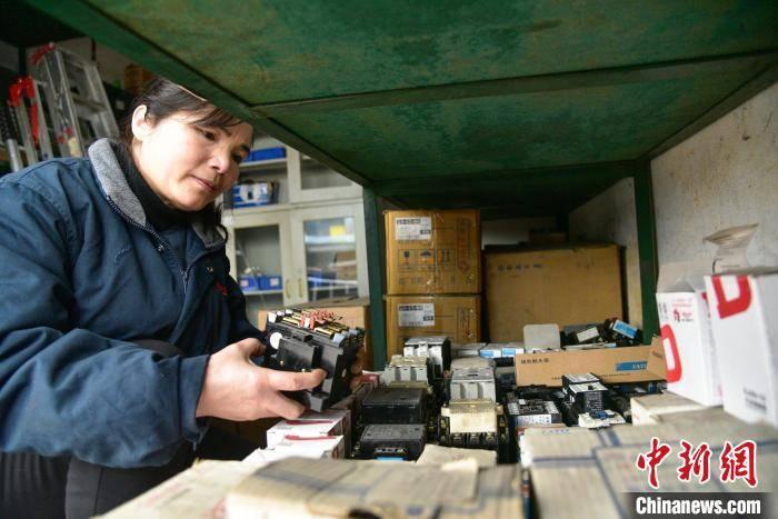 """靠""""拆""""出来的广西铁路首席女技师 爱好之一是""""收破烂"""""""