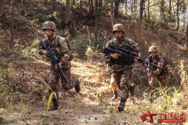 """南方战区陆军某旅:确立实战方向,打造""""战斗领袖"""""""