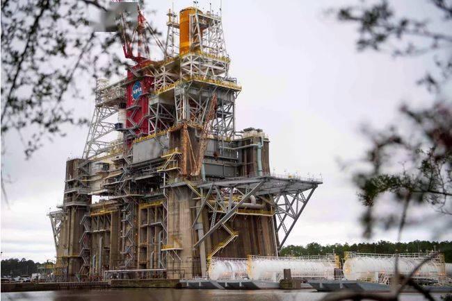 將于3月18日展開SLS Artemis月球火箭第二次熱火測試