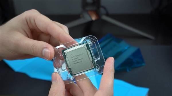 Intel 11代旗舰i9-11900K提前到手!波浪形包装盒吸睛的照片 - 15