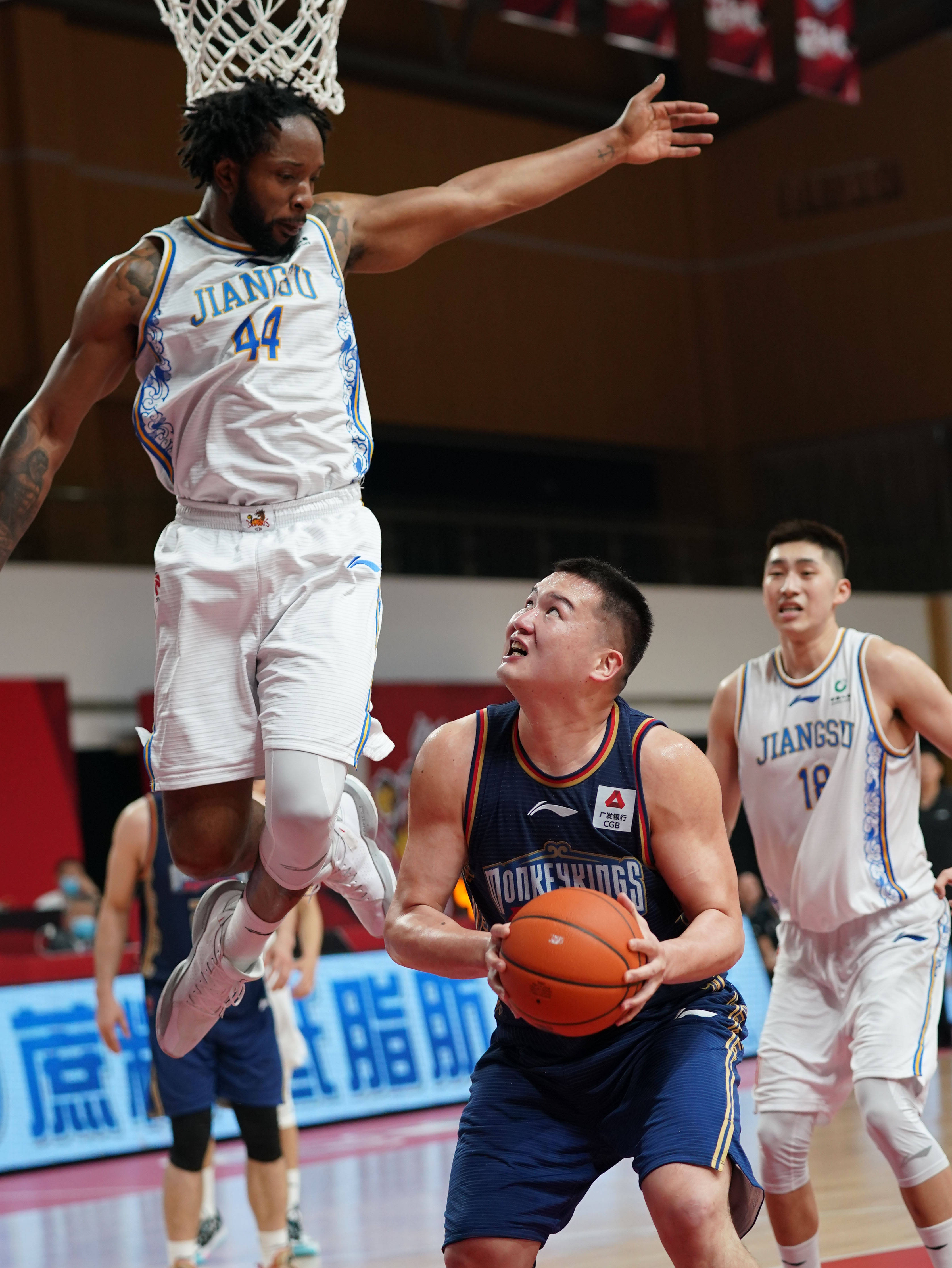 篮球——CBA第四阶段:南京同曦宙光战胜苏州肯帝亚