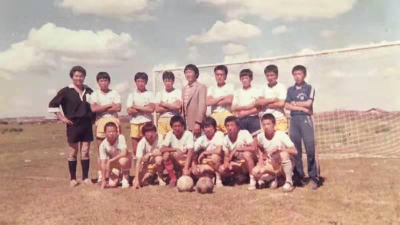 """开着拖拉机去踢球!内蒙古牧民们的""""世界杯""""已经34年了"""