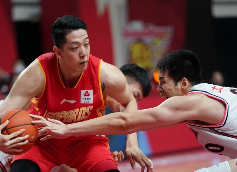 深圳男篮锁定季后赛席位,沈梓捷创造CBA盖帽历史纪录