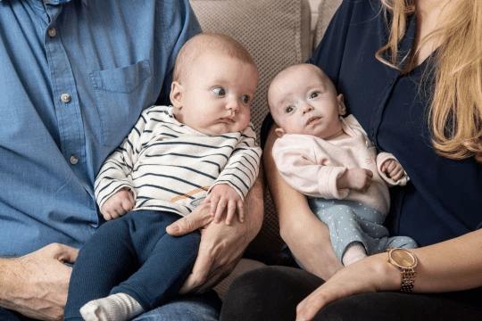 """亲妈都吓坏了!兄妹俩""""相差三周大"""" 还同一天出生?!-家庭网"""