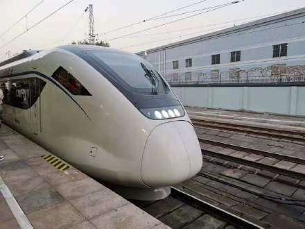 清明假期首日广铁送行240人次,创往年清明节假期单日新纪录