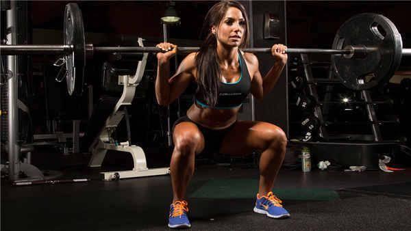 站姿提踵炼小腿,深蹲锻炼全身,锻炼股二头肌,了解罗马尼亚硬拉_训练