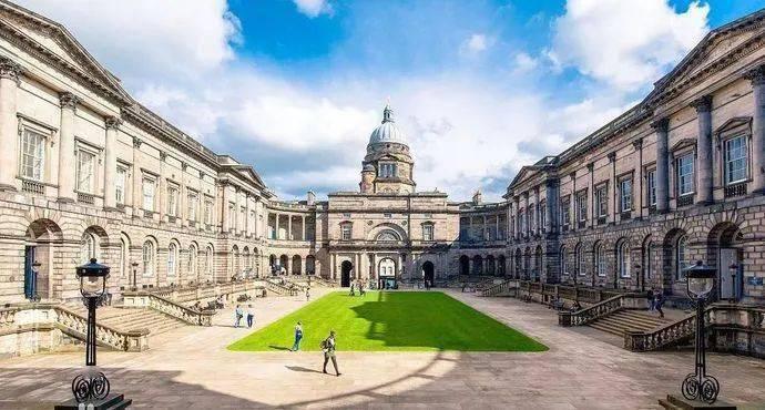 申请指南!英国排名前10的大学优势专业一览