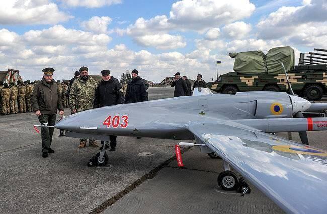 """外国专家给乌克兰出""""狠招"""":狂造无人机,耗光俄军导弹"""