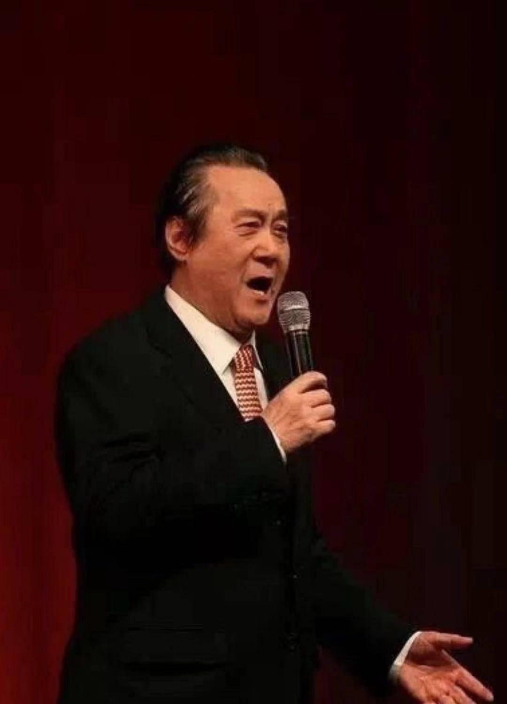 他是任桂珍的丈夫、和慧的恩师,著名男高音歌唱家、声乐教育家饶余鉴去世