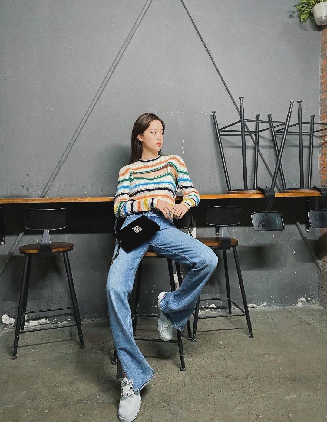 如果你腿不长,就来条杨幂宋妍霏的喇叭裤吧!