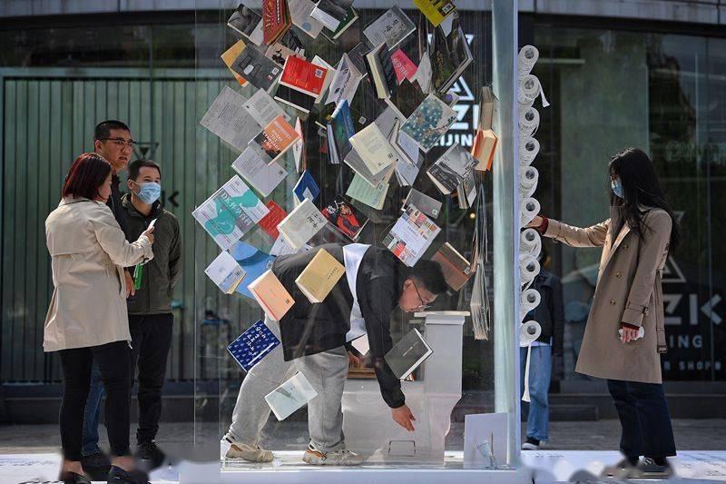 中国人均书房面积仅0.65㎡ 只要心中有书 哪里都是书房