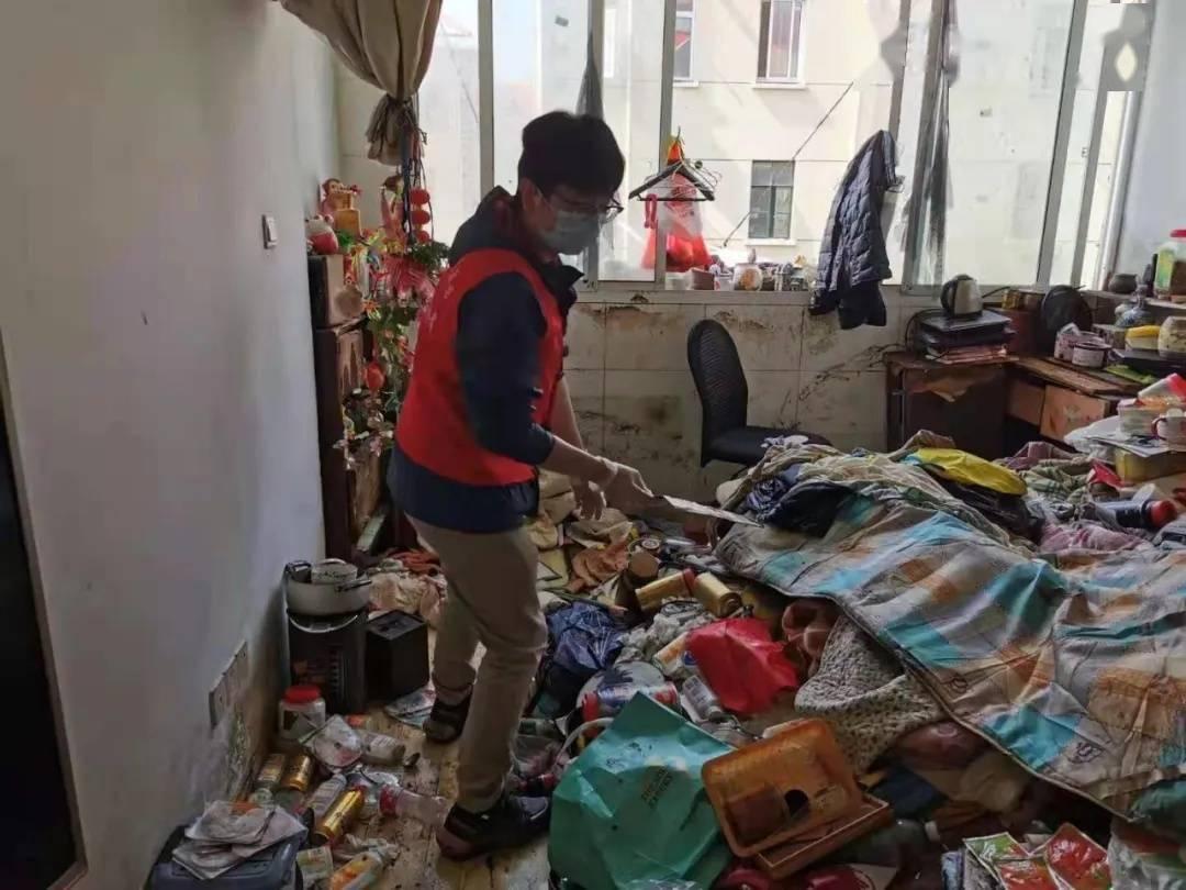 吓人!上海一居民家中竟养了100多只老鼠,成群结队出没,邻居崩溃了