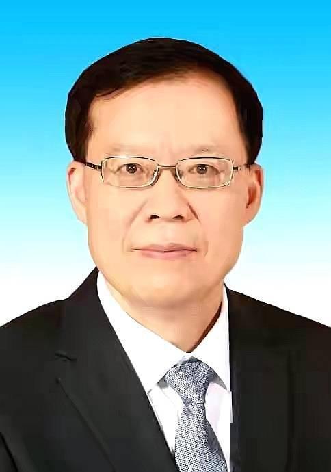 秦保强当选漯河市市长