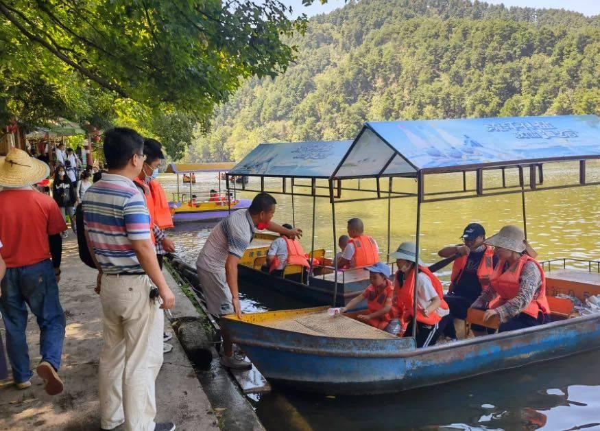 中秋假期:云岩区旅游市场安全稳定 累计接待游客约35.36万人次