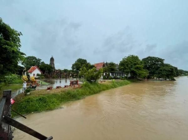 泰国多地遭受热带风暴侵袭 文保部门为古迹设防洪围挡