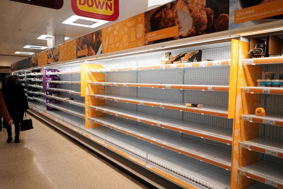 """英国鸡肉巨头:成本飙升冲击供应链 食品价格通胀或达""""两位数"""""""